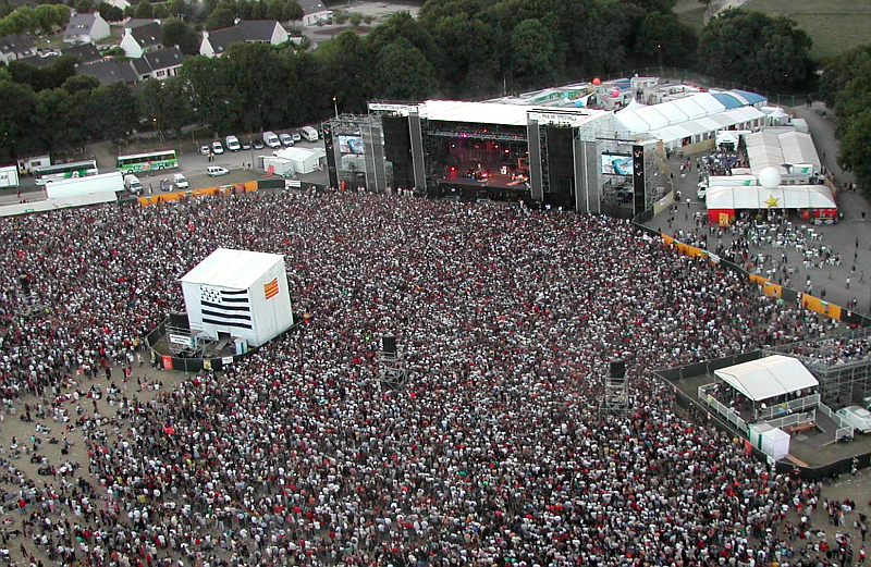 Vieilles Charrues - It's HUGE